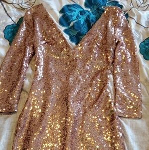 Those gold sequin dress